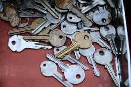 carrying too many keys around, letting go, focus on the essentials, simplify your life